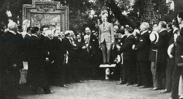 Gabriele d'Annunzio (1863-1938) holding speech in the park of Palazzo Doria, where he was donated the mold of the Lion of Trieste walled in the Giustiniani Palace, Genoa, Italy, photo by San Giorgio