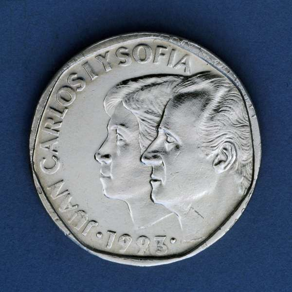 500 pesetas coin, 1993, obverse, Juan Carlos I (1938-) and his wife Sofia (1938-), Spain, 20th century