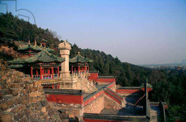 Pavilions next to Tower of Fragrance of Buddha or Tower of Buddhist Incense (Foxiang Ge), Summer palace (Unesco World Heritage List, 1998), Beijing, China, 18th-19th century (photo)