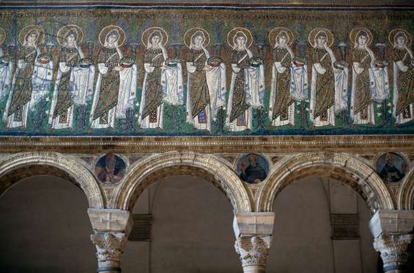 Holy Virgins Procession, mosaic from north wall, lower level, Basilica of Sant'Apollinare Nuovo (UNESCO World Heritage List, 1996), Ravenna, Emilia Romagna, Italy, Byzantine civilization, 6th century (photo)