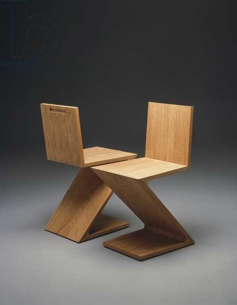 Zig Zag Chair, 125