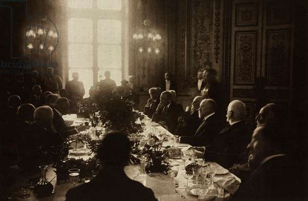 The lunch given by the French Senate to American President Thomas Woodrow Wilson in the conference room of the Palais du Luxembourg, Attending amongst others: Clemenceau, Orlando, Dubost, Poincare, Venizelos, Paris, France
