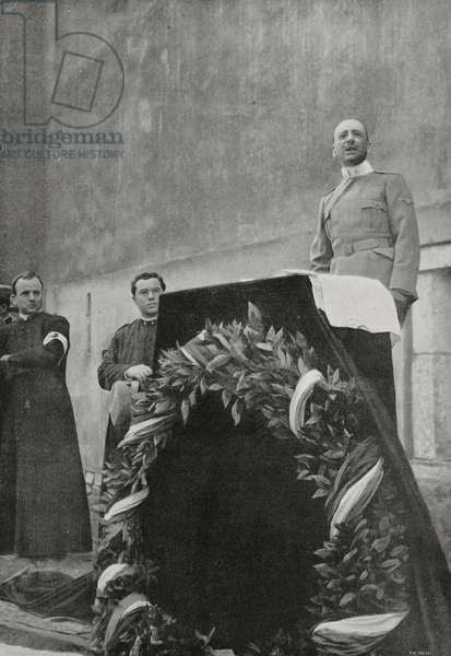 Gabriele d'Annunzio declaiming to soldiers his three Psalms in honor of Italians fallen on front, Aquileia, Italy, World War I, from L'Illustrazione Italiana, Year XLII, No 46, November 14, 1915