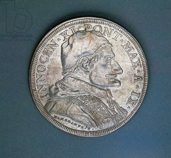 Piastra (coin) of Pope Innocent XI (1676-1689), 1684, obverse, Papal States, 17th century
