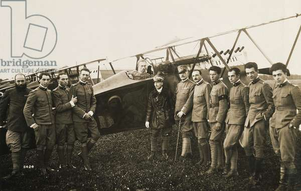 Gabriele d'Annunzio, in middle of group of officers before departure of flight to Vienna, August 1918, World War I, Italy