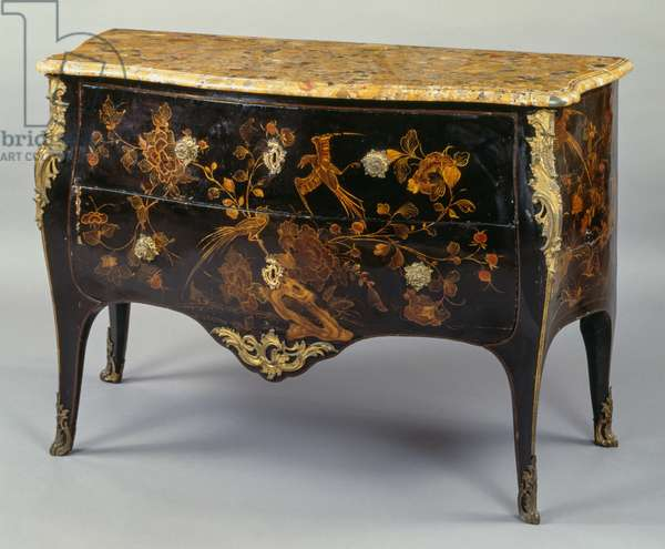 Louis XV style commode, in European lacquer with polychrome decorations on black background according to Chinese taste, with Aleppo marble top, two drawers, arched legs and bronze decorations, stamped by I Dubois, 87x132x64cm, France, 18th century