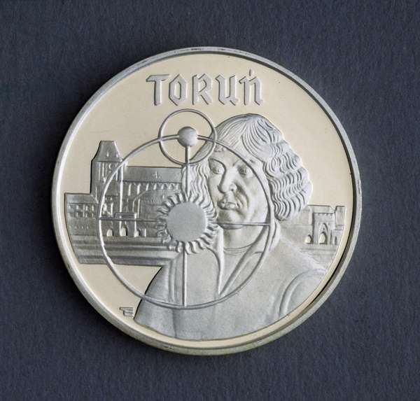 5000 zloty silver coin, 1989, reverse, view of Torun and effigy of Nicolaus Copernicus (1473-1543), Poland, 20th century