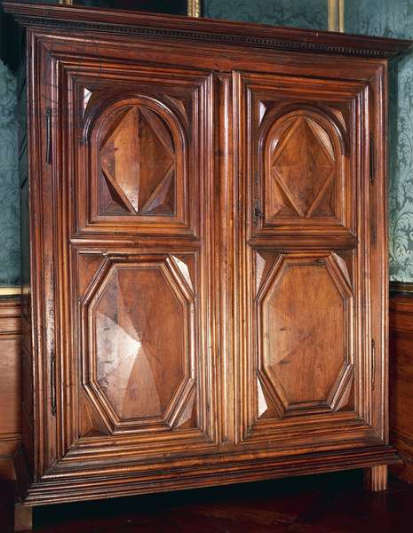 Louis XIII style oak wardrobe decorated with geometric panels, Made in Burgundy, France, 17th century