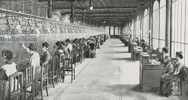 Central Post Office receptionists of Rue Gutenberg in Paris, France, photo from L'Illustration, No 3191, April 23, 1904
