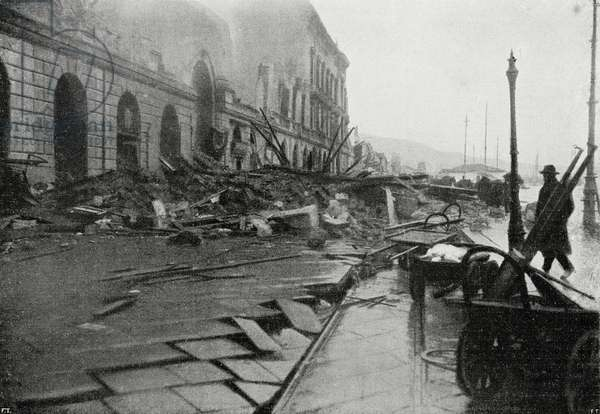 The damage caused by the tsunami to the seafront of Messina after the earthquake of December 28, 1908, Italy, photo by Angelo Cairoli