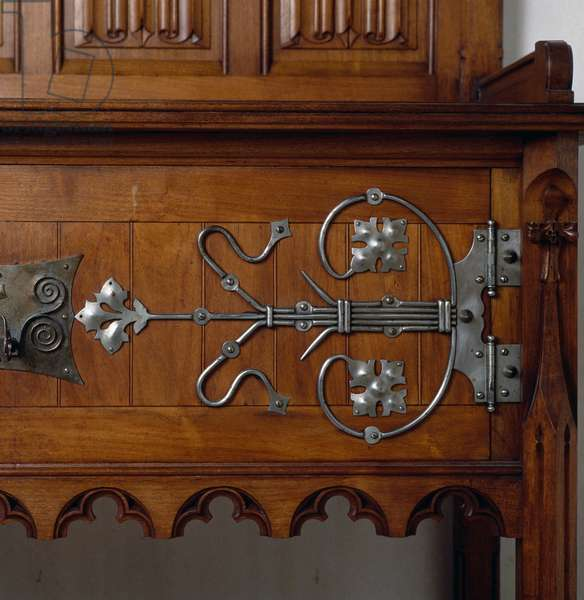 Neo-Gothic style walnut sacristy sideboard with metal decorations, Ca 1890, 19th century, Detail