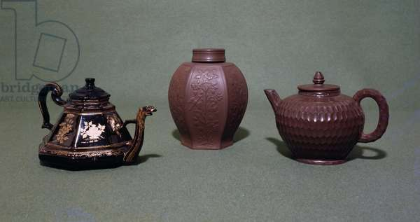 Bottger stoneware teapots and vase, Meissen, Germany