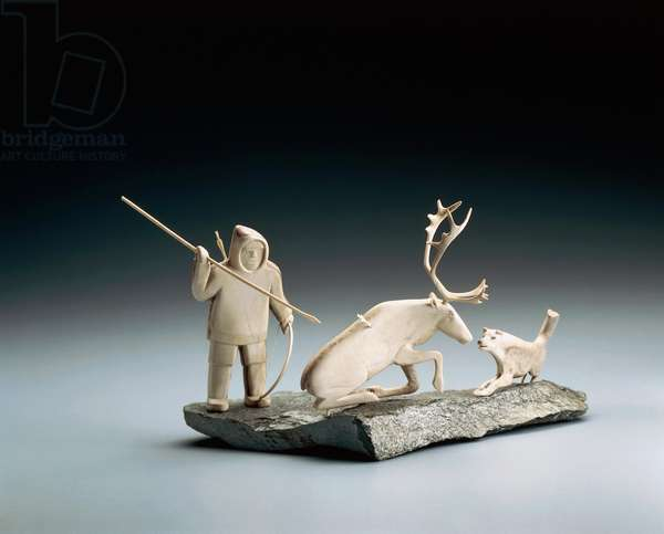 Small horn sculpture with a caribou hunting scene