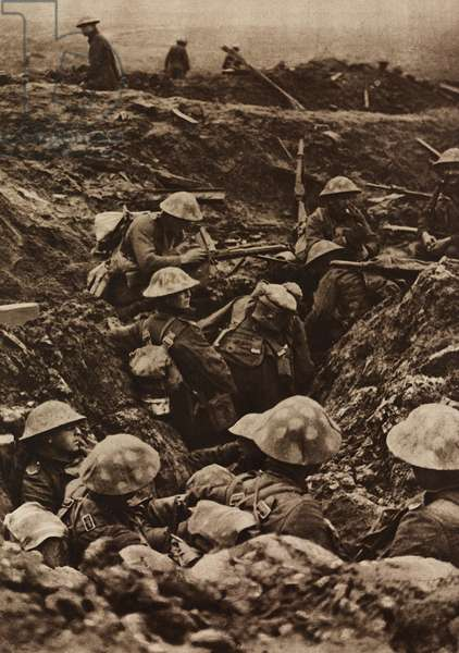 In trenches, troops of Northern Counties waiting for order to attack, Battle of Menin Road Ridge, Third Battle of Ypres, Belgium, First World War, photograph from magazine L'Illustration, year 75, no 3892, October 6, 1917