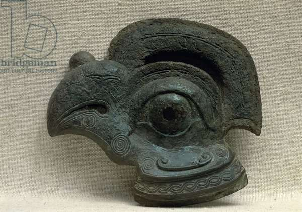 Sconce in the shape of a bird's head, green patinated bronze, eastern Chou (or Zhou) dynasty