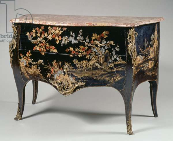 Louis XV style commode, in European lacquer with red, gold and silver decorations on black background, with Aleppo marble top, two drawers, arched uprights and legs and bronze chiseled and golden decorations, 88x130x63cm, France, 18th century