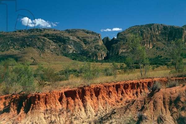 Madagascar; Ranohira; Isalo National Park; eroded Jurassic sandstone formation at massif of the Isalo (photo)