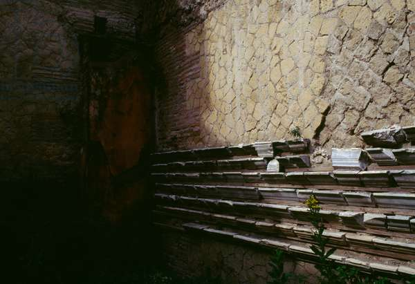 Wall of a building on the Decumanus Maximus, Insula VI, Herculaneum (UNESCO World Heritage List, 1997), Campania, Italy. Roman civilization, 1st century AD