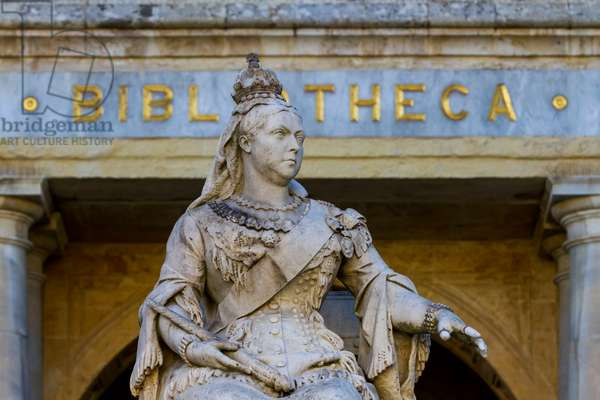 Monument to Queen Victoria, 1891, Valletta (UNESCO World Heritage List, 1980), Malta, Detail
