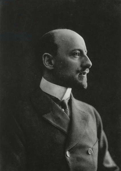 Gabriele D'Annunzio (1863-1938), Italian writer, poet and patriot, May 1915, photograph by Mario Nunes Vais (1856-1932) from L'Illustrazione Italiana, Year LXV, No 10, March 6, 1938