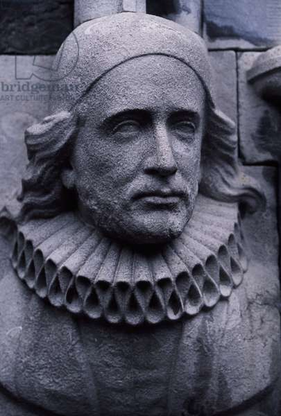 Ireland, Dublin, Sculpture at entrance of St Patrick's Cathedral