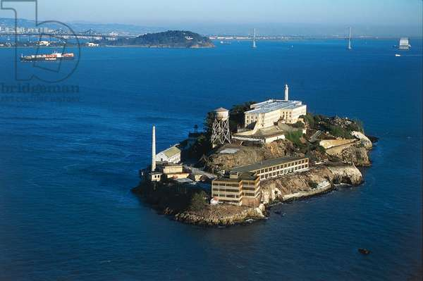 USA, California, San Francisco Bay, Aerial view of Alcatraz Island (photo)