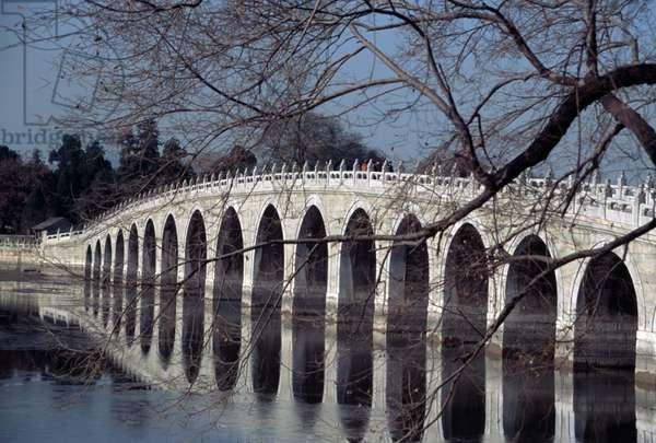 Seventeen-Arch bridge on Kunming lake, Summer palace (Unesco World Heritage List, 1998), Beijing, China, 19th century (photo)