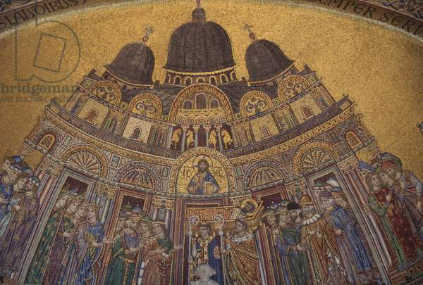 Transport of St Mark's relics from palace to first basilica, 1265, mosaic in lunette of St. Alipius' gate, St Mark's basilica, Venice (UNESCO World Heritage List, 1987), Veneto, Italy, 13th century