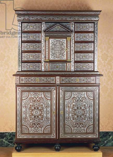 Double cabinet with pewter inlays on amaranth, France, 17th century