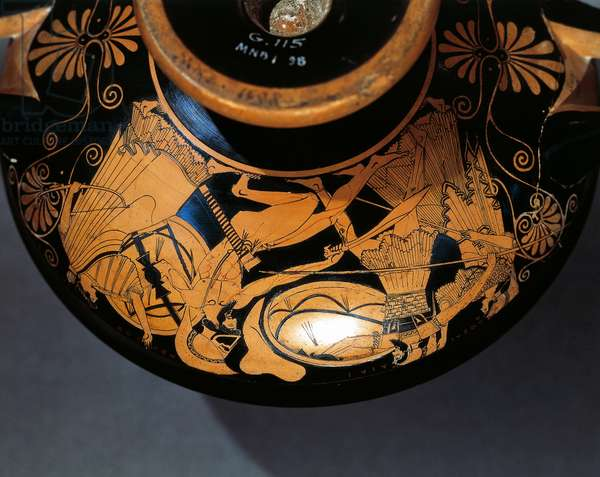 Attic cup in red-figure pottery depicting battle scene between Aias and Hektor, Kalliades pottery, painting by Duris, Greek Civilization, 5th Century BC