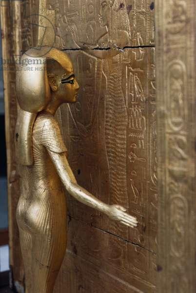 Statue of Isis protecting chest of canopic jars, Treasury of Tutankhamun, 1333-1323 BC, Egypt, Egyptian civilization, New Kingdom, Dynasty XVIII, Detail
