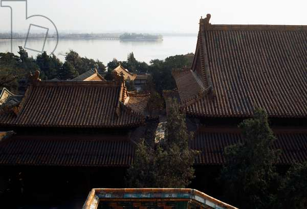 Roof of  pavilion of Summer palace (Unesco World Heritage List, 1998), with Kunming lake in background, Beijing, China, 19th century (photo)