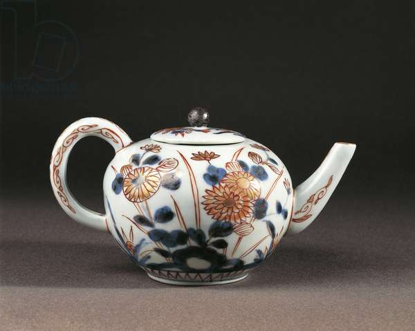 Imari porcelain teapot, Japan