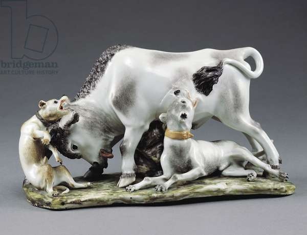 Bull being attacked by dogs, porcelain, 18th century, 11.5 cm