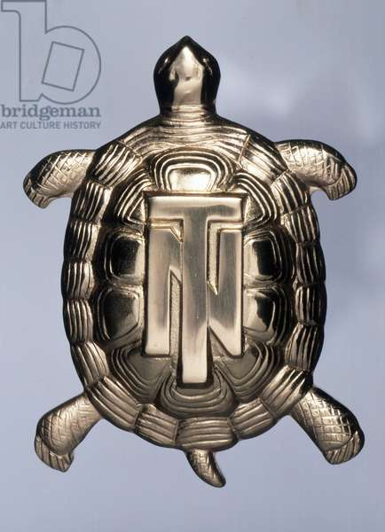 Chelonian tortoise, donated by Gabriele d'Annunzio to Tazio Nuvolari in 1932, gold, Italy, 20th century