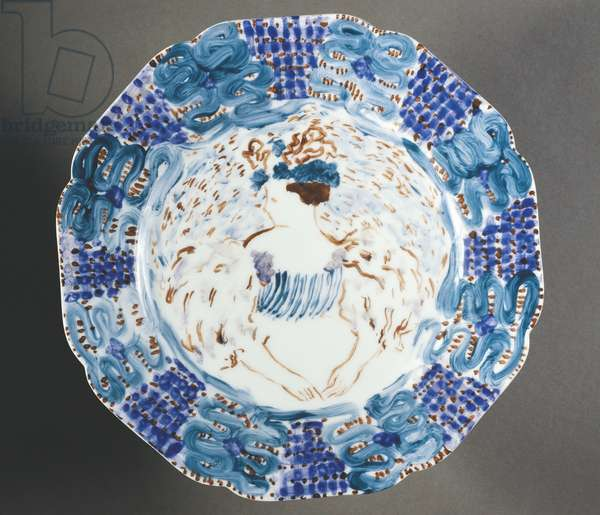 Fauvist plate decorated with female figure with coiffed hair and dressed in feathers, by Edouard Vuillard, 1890, ceramics
