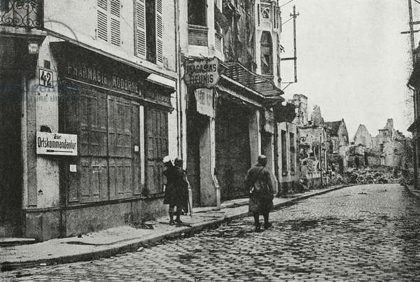 Road in Soissons, France, regained by allied troops, World War I, from l'Illustrazione Italiana, Year XLV, No 42, October 20, 1918