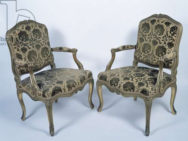 Louis XV style carved and gilt armchairs, France, 18th century