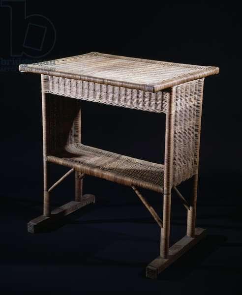 Table, 1905, by Josef Hoffmann (1870-1956), in wicker. Austria, 20th century.