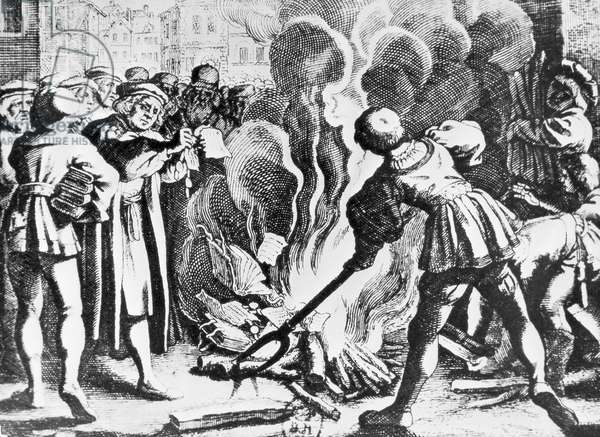 Protestant Reformation, 16th century, Martin Luther publicly burns papal bull of excommunication (December 10th 1520)