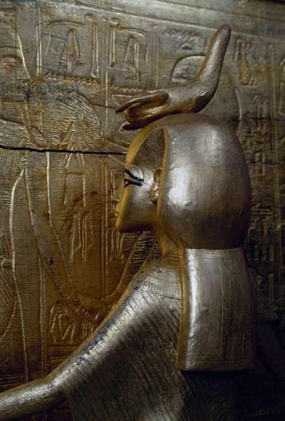 Statue of Selkis or Serket protecting the canopic chest or shrine, Treasury of Tutankhamun, 1333-1323 BC, Egypt, Egyptian civilization, New Kingdom, Dynasty XVIII