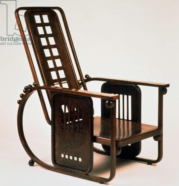 Sitzmaschine chair 670, 1905, by Josef Hoffmann (1870-1956), bentwood. Austria, 20th century.