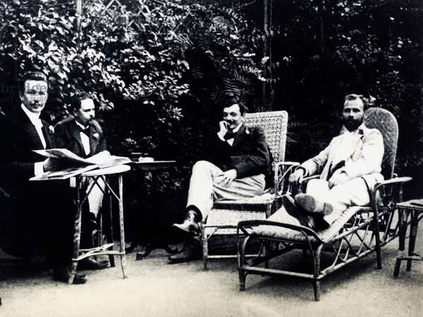 From left to right, Austrian architect Joseph Maria Olbrich, Franz Hohenberger, Austrian artist Kolo Moser and Austrian painter Gustav Klimt in the garden of Fritz Waerndorfer in Vienna, Austria, 1899 (b/w photo)