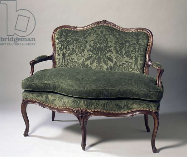 Small Louis XV style carved and molded natural wood canape (elegant sofa), France, 18th century