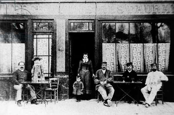 Auberge Ravoux, Auvers-sur-Oise, France, 1880, photograph. Dutch painter Vincent van Gogh spent the last 70 days of his life as a lodger at the auberge. France, 19th century.