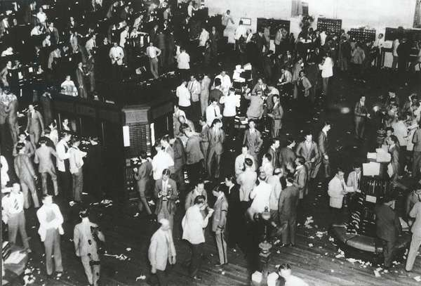 The trading floor of the New York Stock Exchange on the day of the Wall Street crash, October 29, 1929, New York, USA, 20th century