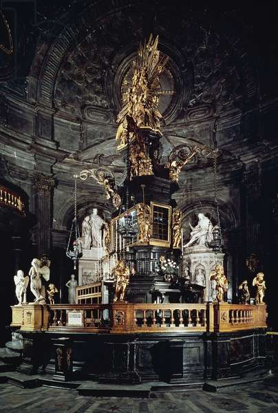 Baroque altarpiece by Antonio Bertola, 1694, which preserves in shrine Sacra Sindone (Holy Shroud of Turin), Chapel of Sacra Sindone, architect Guarino Guarini (1624-1683), Cathedral of Saint John Baptist, Turin, Piedmont, Italy