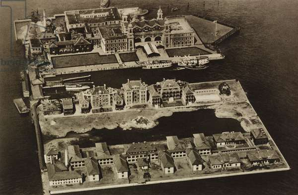 Ellis Island, which, from 1892 to 1954, was the main entry point for immigrants disembarking in New York, United States, photo from l'illustrazione Italiana, year LX, n 6, February 5, 1933