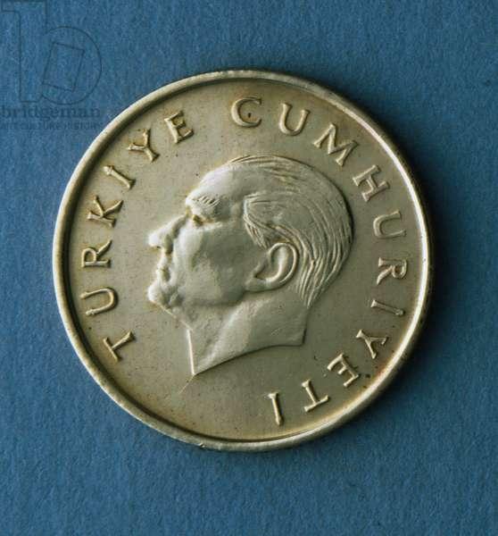 100 lira coin, 1993, Obverse, Portrait of Mustafa Kemal Ataturk (1881-1938), Turkey, 20th century
