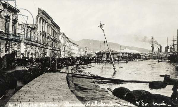 The waterfront in Messina after the earthquake on December 28, 1908, Italy, 20th century